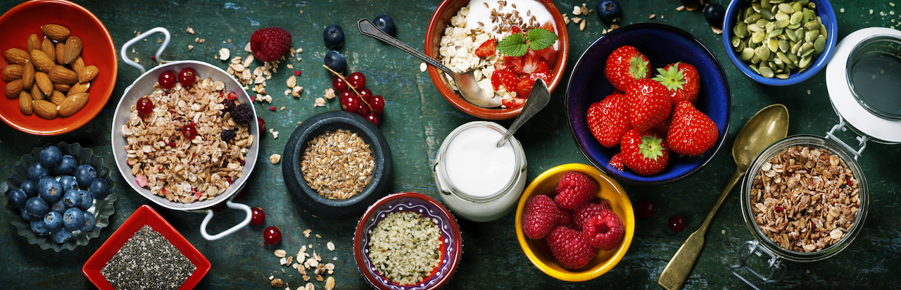 Healthy Gluten-Free Yogurt, Berry & Granola Breakfast
